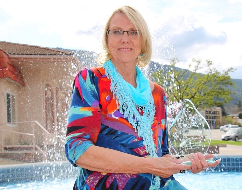Birgit Arnstein receives Outstanding Individual Volunteer Award from Town of Osoyoos
